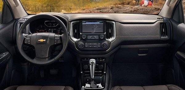 Chevrolet Colorado 2018 Philippines interior