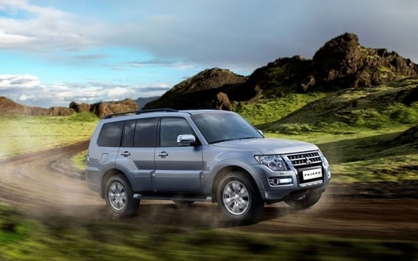 Mitsubishi Pajero 2017 on the road