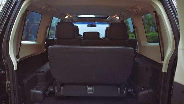 Mitsubishi Pajero 2017 cargo space