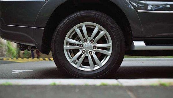 Mitsubishi Pajero 2017 wheel