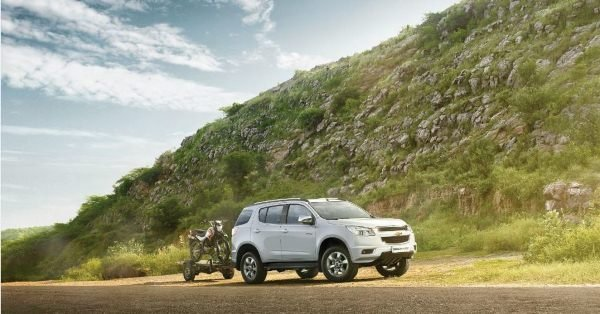 Chevrolet Trailblazer 2018 on the road