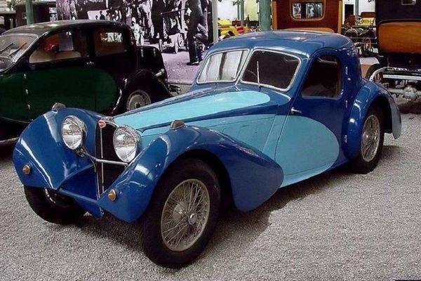 Bugatti Type 57s Aérolithe angular front