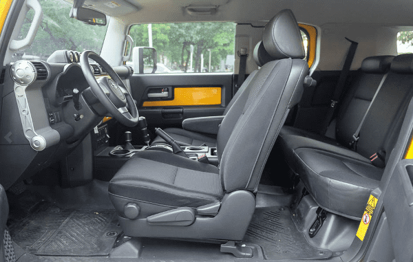 Toyota FJ Cruiser 2018 seating
