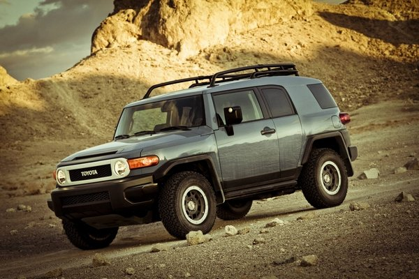 Toyota FJ Cruiser 2018 off-roading
