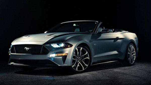 Ford Mustang 2018 convertible angular front