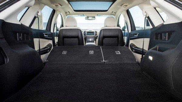 Ford Edge 2019 Titanium Elite Package rear row seats