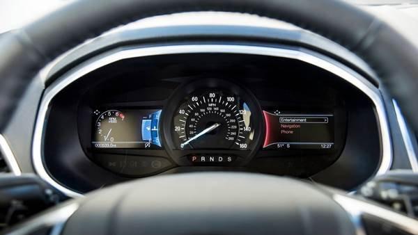Ford Edge 2019 Titanium Elite Package gauges