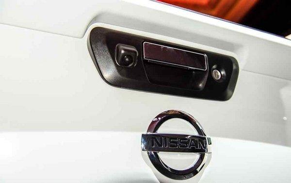 Nissan Navara 2018 tailgate