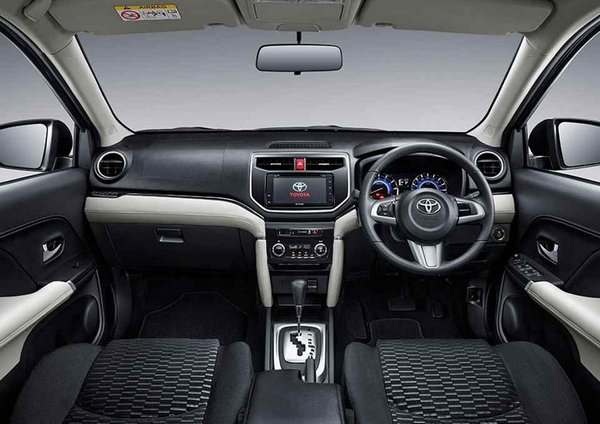Toyota Rush 2018 interior