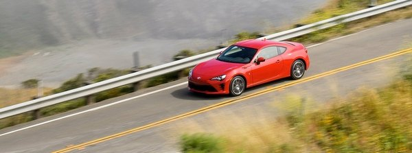 Toyota 86 2018 on the road