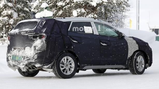 Hyundai Tucson 2019 facelift spy shot angular rear