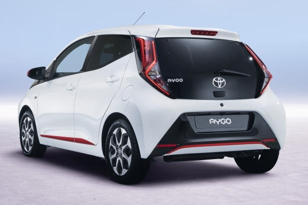 Toyota Aygo 2018 facelift angular rear
