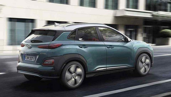 Hyundai Kona Electric 2018 on the road