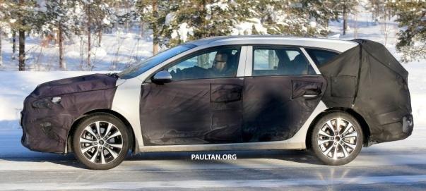 Kia Ceed 2018 wagon spy shot side view