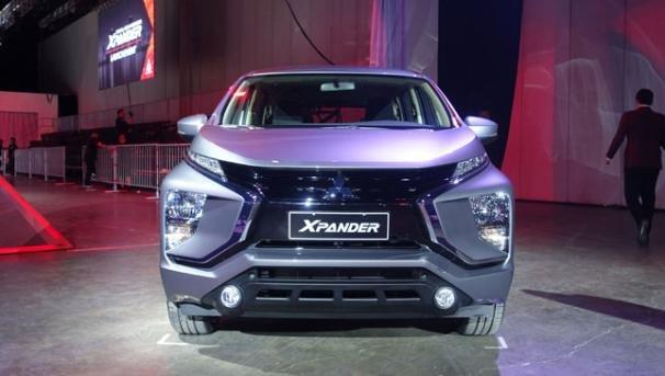 Mitsubishi Xpander 2018 GLX Premium front view