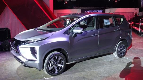 Mitsubishi Xpander 2018 GLX Premium angular front