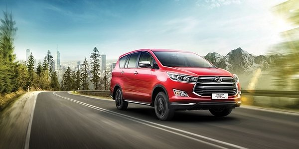 Toyota Innova Touring Sport 2018 on the road
