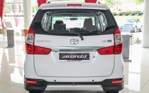 Toyota Avanza X 2018 rear view