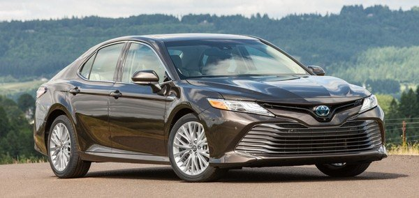 Toyota Camry 2018 side view