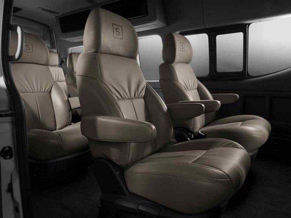 Nissan Urvan Premium S 2018 seating