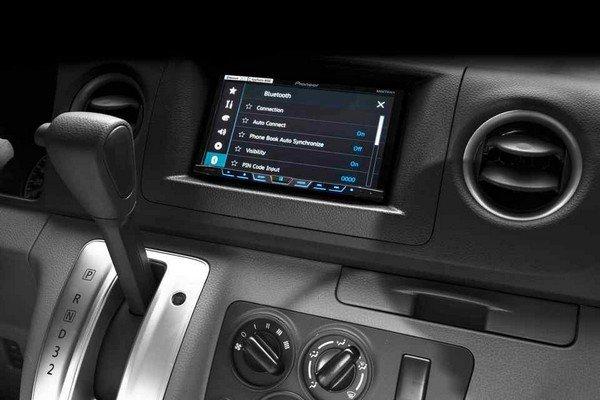 Nissan Urvan Premium S 2018 dashboard