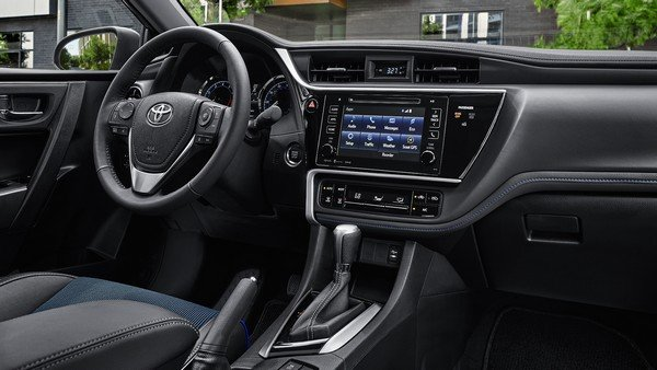 Front seats of the Toyota Corolla Hatchback 2019