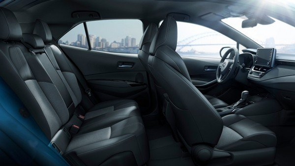 The interior of the Toyota Corolla Hatchback 2019