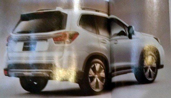 Subaru Forester 2019 teaser angular rear