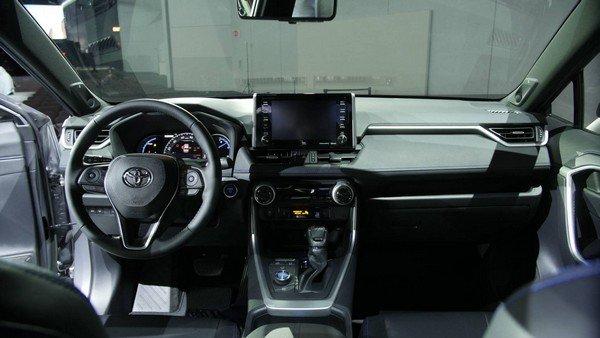 Toyota RAV4 2019 dashboard area