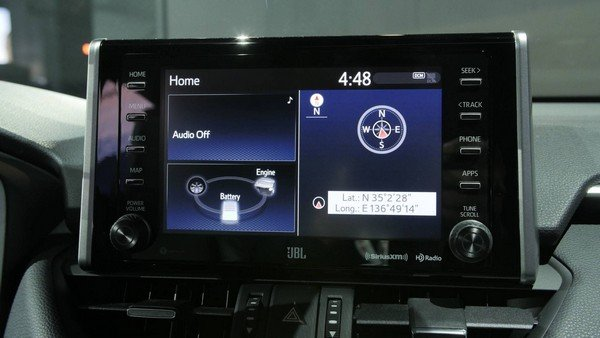 Toyota RAV4 2019's 8'' infotainment screen