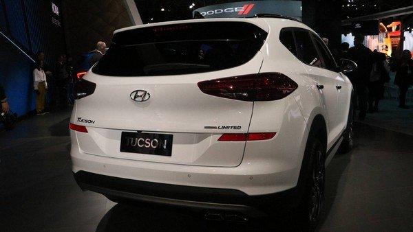 Hyundai Tucson 2019 angular rear