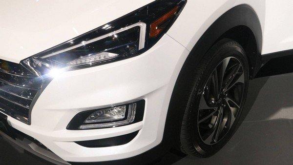 Hyundai Tucson 2019 headlights