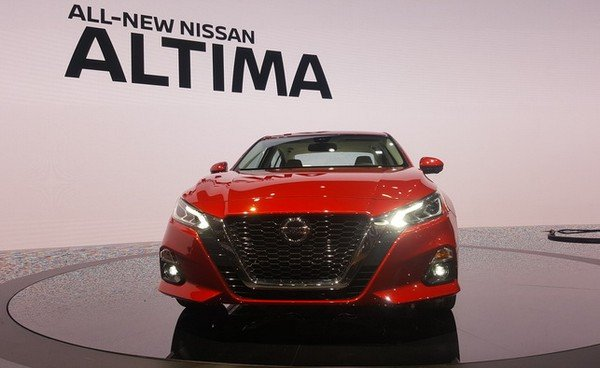 Nissan Altima 2019 front fascia