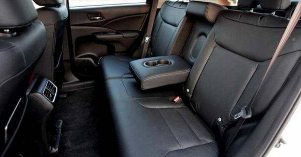 Honda CRV 2017 rear seats