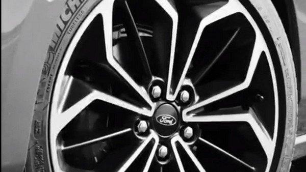 Ford Focus 2019 teaser wheel
