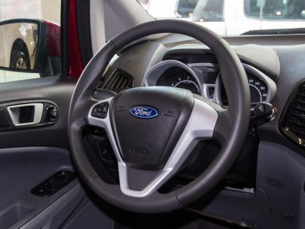 Ford EcoSport 2017 steering wheel