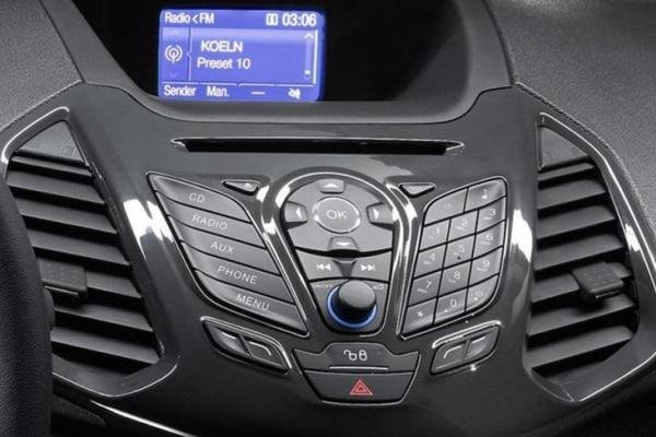 Ford EcoSport 2017 dashboard
