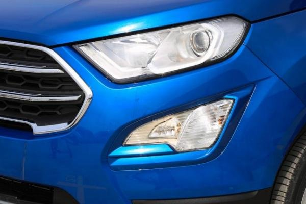 Ford EcoSport 2018 headlight