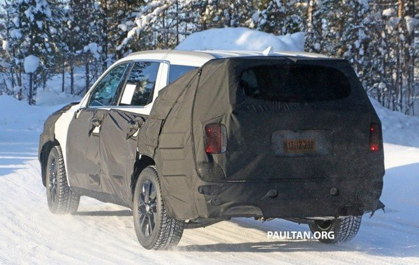 Hyundai Palisade 2018 spied shot angular rear