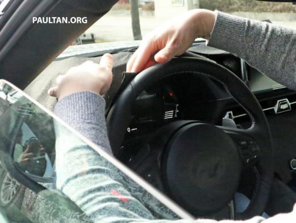 Toyota Supra 2018/2019 spy shot steering wheel