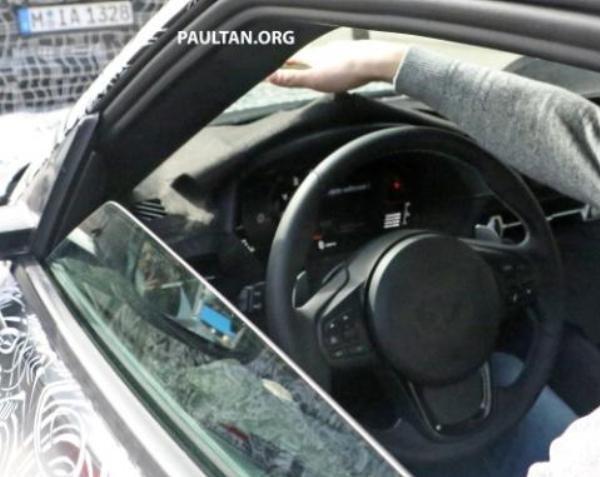 Toyota Supra 2018/2019 spied steering wheel