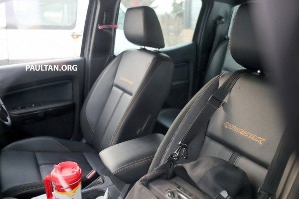 Spied Ford Ranger T6 WildTrak 2019 facelift spy shot seats