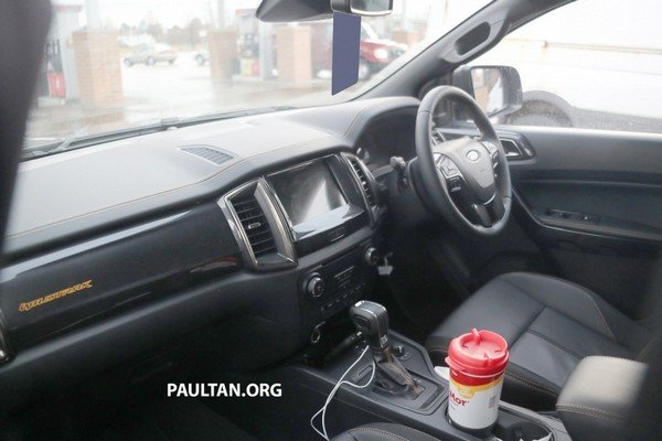 Spied Ford Ranger T6 WildTrak 2019 facelift spy shot dashboard area