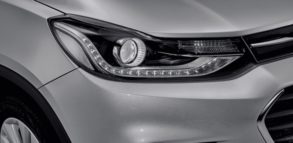 The headlight of The Chevrolet Trax 2018