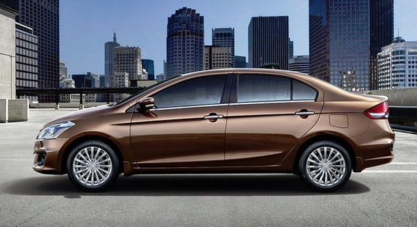 Suzuki Ciaz 2018 side view
