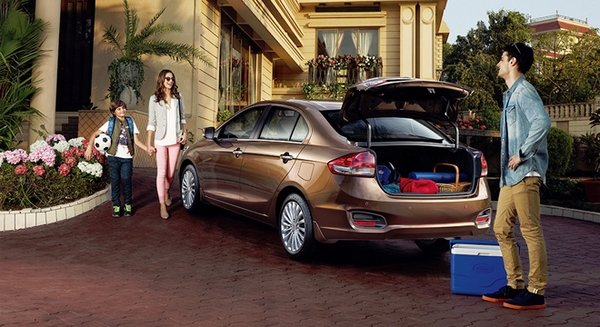 Suzuki Ciaz 2018 and a family
