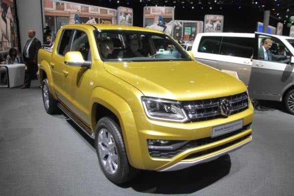the angular front of the Volkswagen Amarok Aventura Exclusive