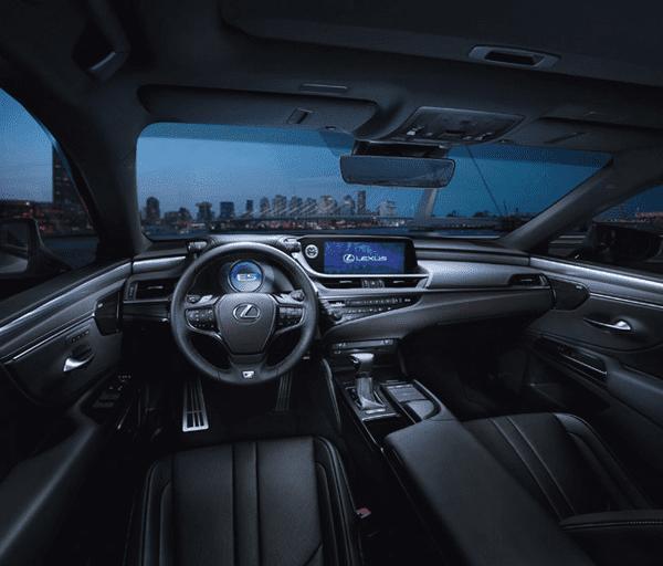 the interior of the Lexus ES 2019