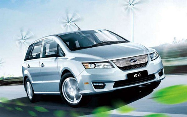 BYD E6 angular front