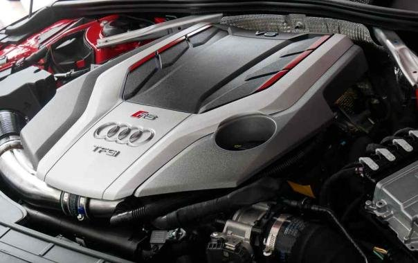 Audi RS5 2018 engine